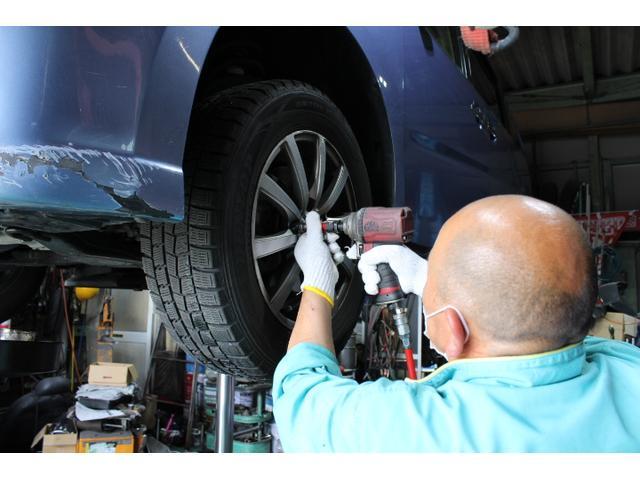 タイヤ交換、組み換え交換も対応しております。