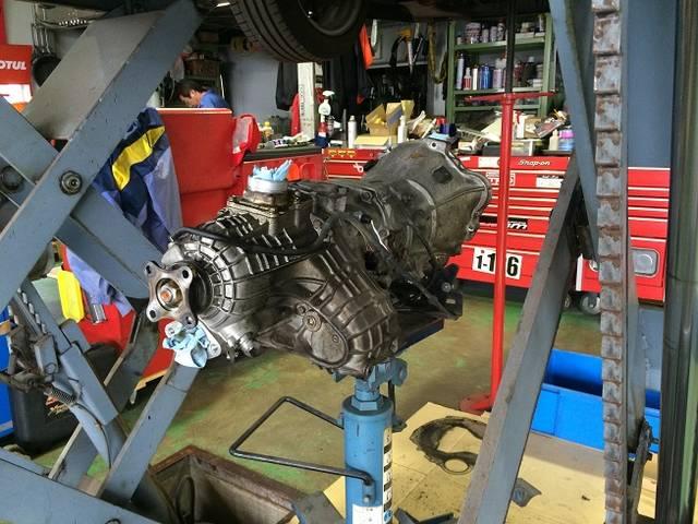 エンジン・ミッションの載せ換えなどのいわゆる重整備も熟練の整備士がきっちり対応致します
