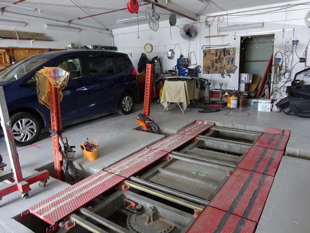 フレーム修正機・アライメントテスターも完備しています。