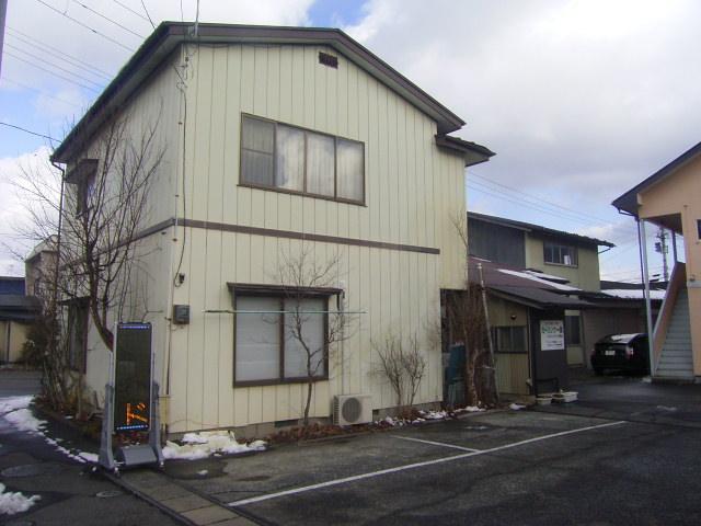 場所は山ノ目駅から徒歩数分、龍沢寺こども園すぐそばです。