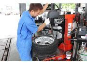 持ち込みタイヤ・ホイール取付・組み換えも対応しております!