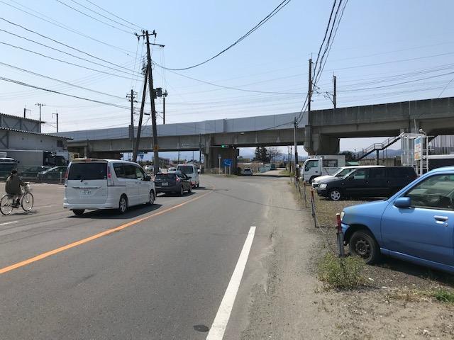 福島市中央卸売市場を右手に13号線方面へ向かいます。