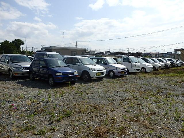 車内清掃や納車整備等をしていない入庫直後の車両の販売窓口です。全車現状販売ですのでご理解願います。