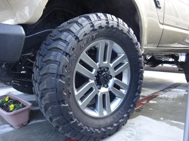 大きいタイヤも対応致します。