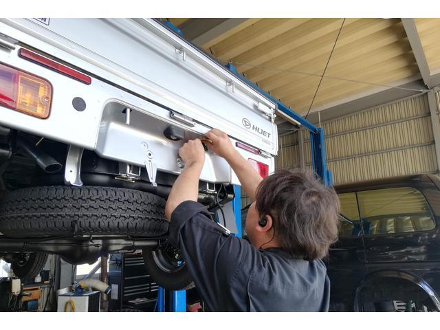 認証工場完備、国家資格整備士が安全・安心のメンテナンスをご提供しております!点検もお任せください!