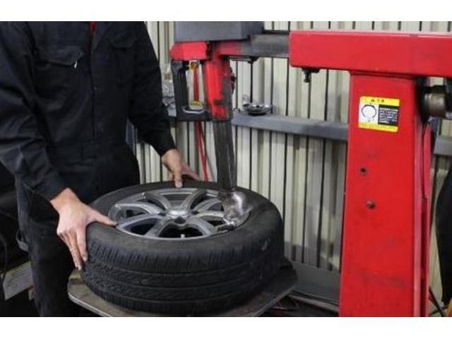 タイヤの組み替え交換も対応しております!