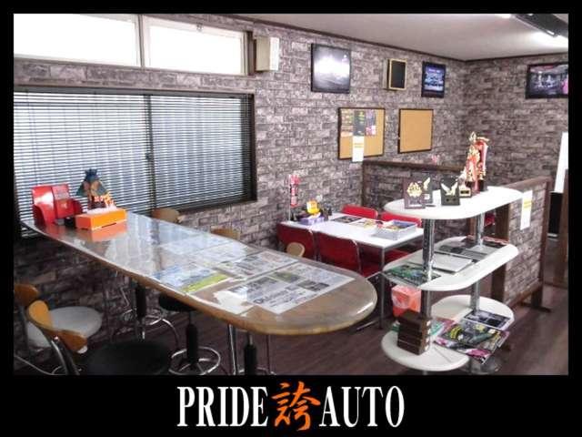 広島店のショールームです☆エンジンなどのケミカル類をいろいろ置いてます☆