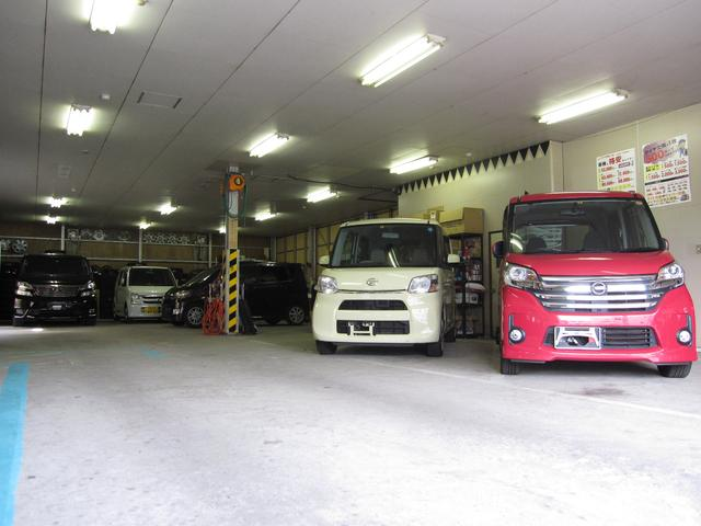 展示車両スペースとなります。国産・輸入車問わずご注文承ります!