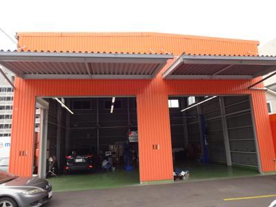 最新設備と国家資格整備士による安心車検