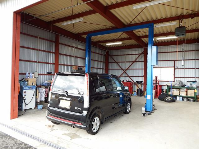 メンテナンス工場ですので、ご購入後のお車のメンテナンスや保証・整備などアフター管理も万全です!
