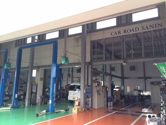 国家資格2級整備士が、高度な技術・知識をもってお客様の愛車を整備します。