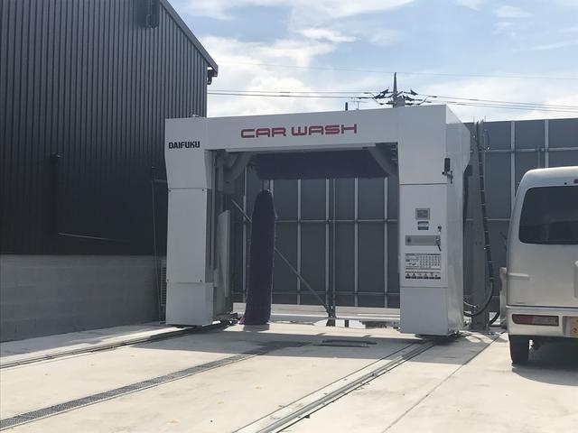 自動洗車機も完備!!皆さんのお車をピカピカにさせて頂きます!!