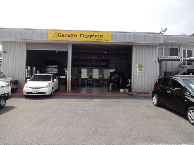 キレイなガレージで確実な整備をご提供!