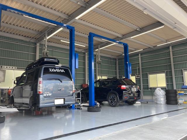スタッフの技術が光る職人の業でお客様の愛車をメンテナンス致します。