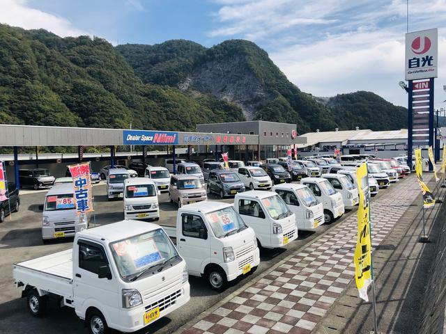 4WD車を中心に軽四・普通車の乗用車・バン・トラックの在庫を常時豊富に取り揃えております!