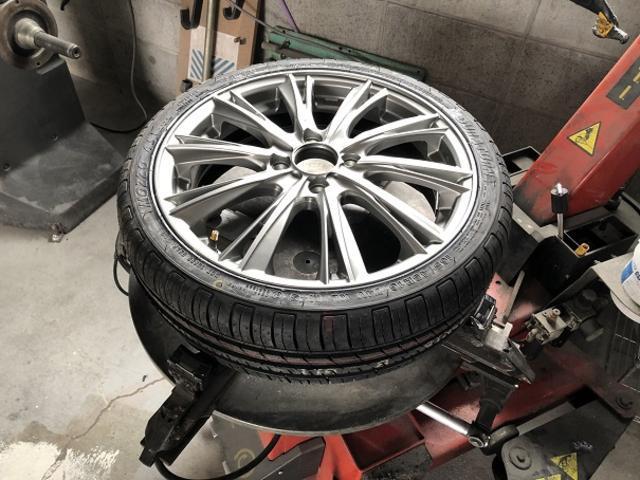 ネットで買った持込タイヤ専門価格で取付け出来ます。詳しくはホームページにて。