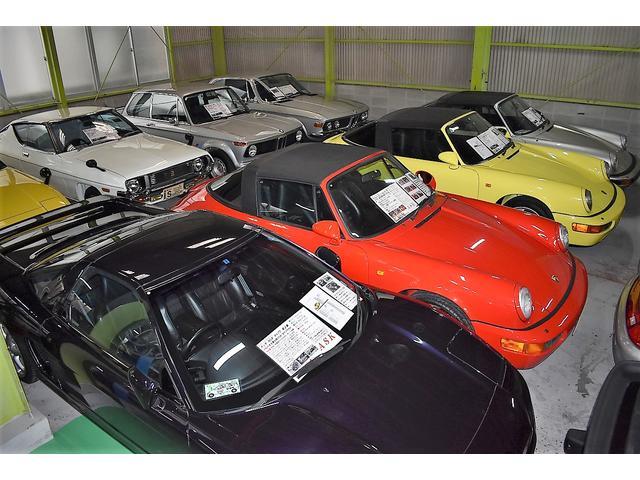 [あいえす三原店]全天候型ドーム展示場には国産高級セダン・ミニバン・軽四を展示しています