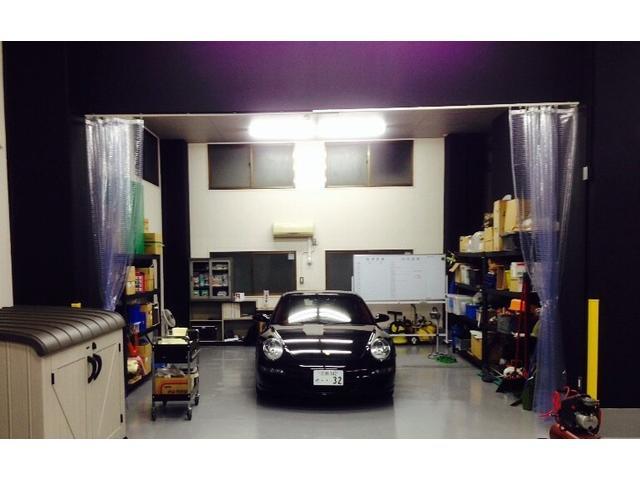 ホイール・ダッシュボード・レザーシート補修・カーコーティング・車内クリーニングなど行うスペースを設置