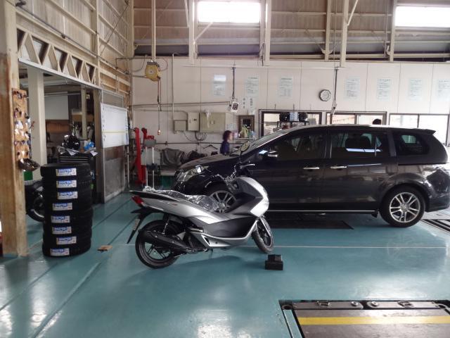 国産車・輸入車等の中古車はもちろん、2輪バイクもお任せください!バイク日帰り車検も行っています♪