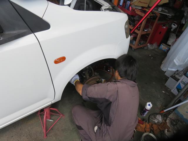 他店で購入された車のメンテナンスもお任せ下さい。安く丁寧に施工します。代車も無料です。