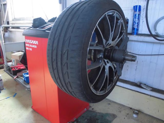 タイヤの持ち込み交換も承っておりますよ。