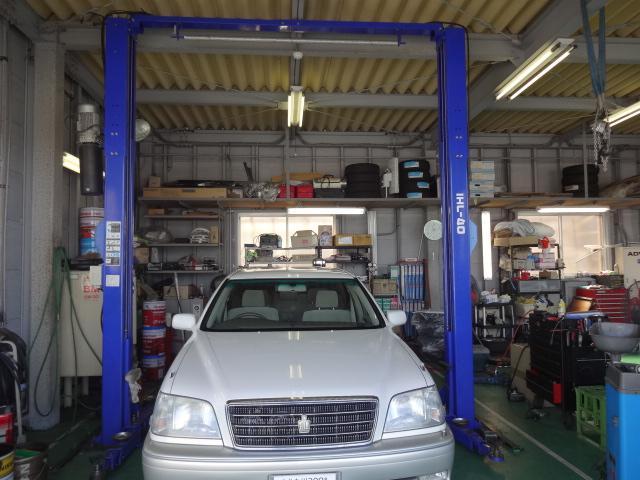 プロの整備士があなたのお車のメンテナンスを担当します。