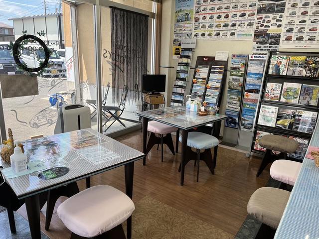 本社のスピードモーター商会です。1967年から整備工場として長く、多くの実績と自信があります!