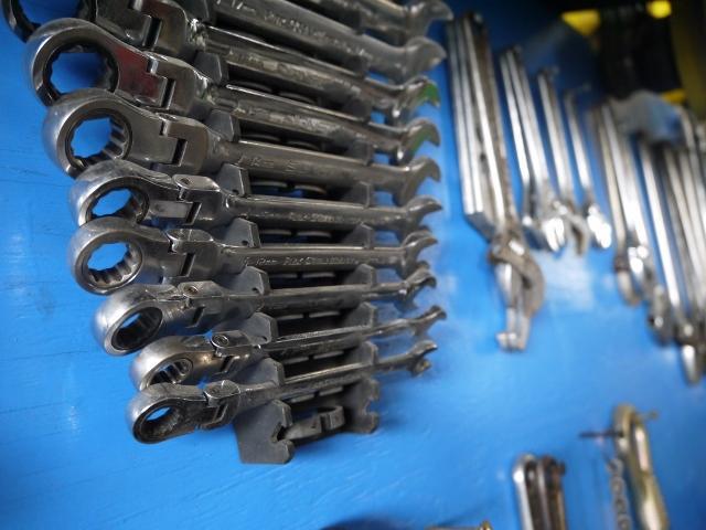 安心の整備は拘りの工具から!プロのスタッフが責任を持って作業致します。