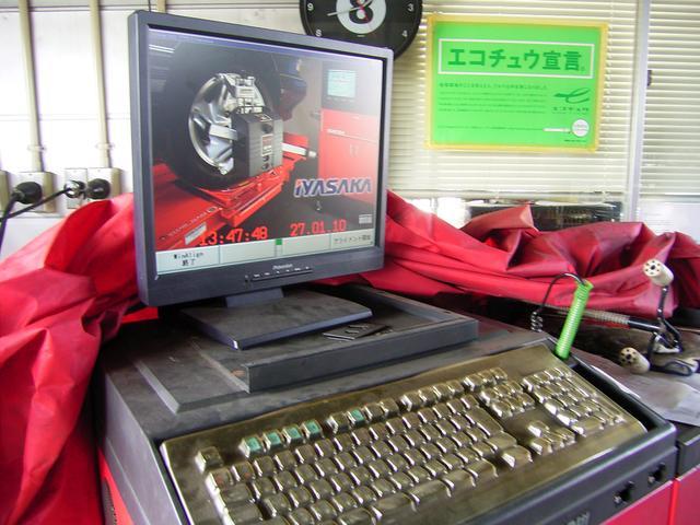 タイヤチェンジャー・アライメントテスター等の設備も整っております。