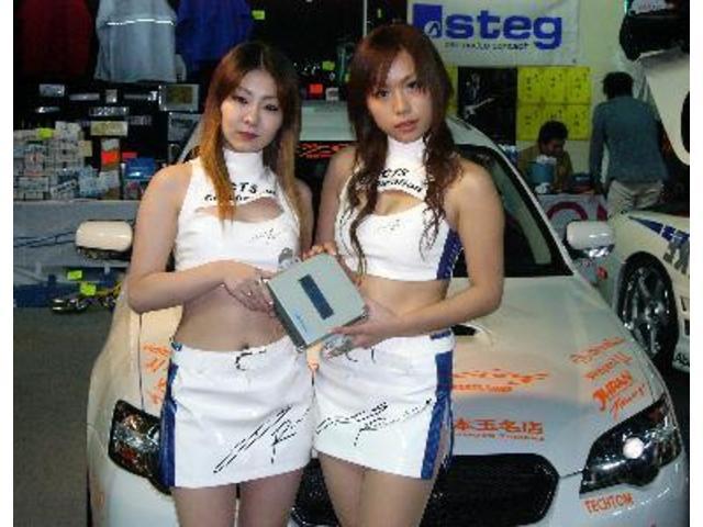 福岡オートサロン2005の様子です。カスタムやチューニングも当車にお任せ下さい!