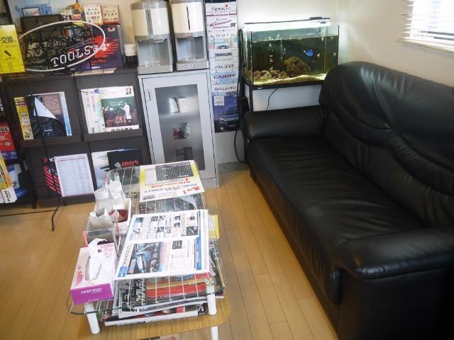 店内でお待ちの場合でも、くつろいで頂ける空間で・・・アットホームなお店です!