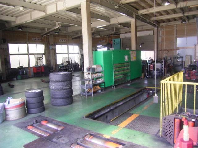 板金塗装専門工場!南島オートグループのエイテックジャパンは優れた技術と最新の設備で信頼を築きます。