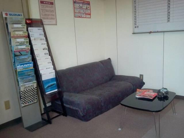 室内商談スペースを完備!何でもお気軽にご相談下さい。