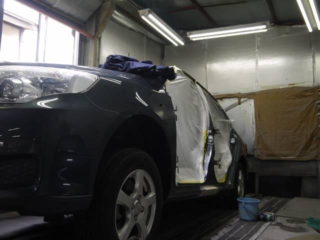 作業中でも極力お車を汚さない様に注意して仕事をしています!