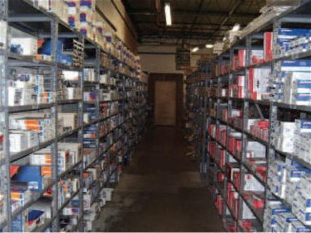 消耗部品の常備在庫から、最新の診断機の完備によるスピーディーな修理を可能にします。