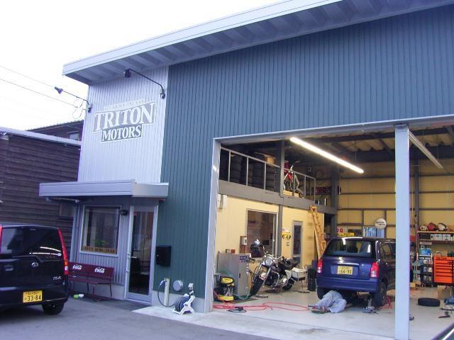 TRITON MOTORS