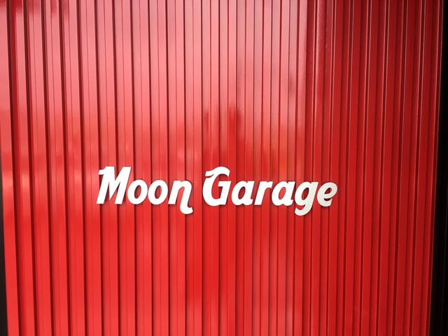 MOON GARAGE