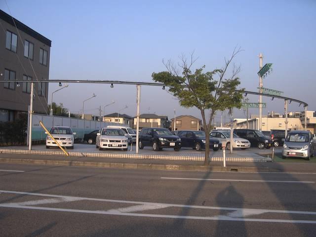 高岡三菱自動車(株) クリーンカー駅南(2枚目)