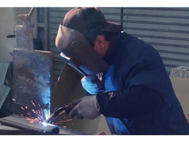 販売から修理・整備などこれまでの技術を屈指してフォロー致します。