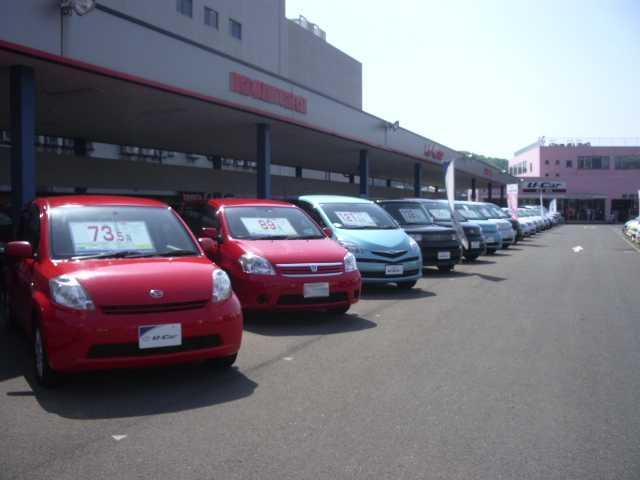 あなたの1台がきっと見つかる!豊富な展示車をご用意しておまちしております。