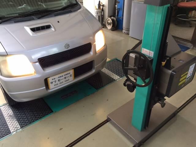 ユーザー車検の予備検査もお受けしてます。ヘッドライト光軸調整¥2000-です。