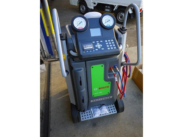 エアコンシステムクリーニング機器完備!車検時やエアコンシーズン前に施工をおすすめしております。