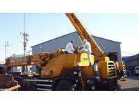 自動車の車検/整備はもちろんのこと、クレーンその他の建設機械車輛の検査/整備も行っております。