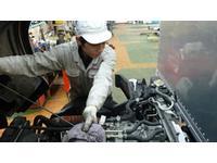 車輛整備(車検・点検・一般修理)。各車輛タイプ別に国家整備資格を持ったスペシャリストを配置。