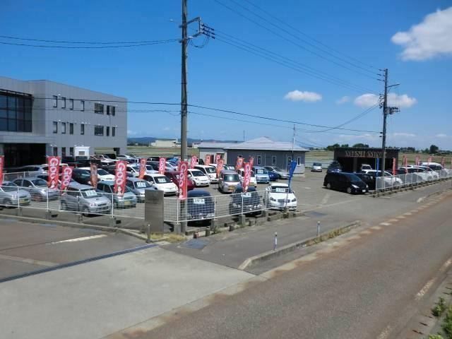お店は喜多町の国道8号線沿いです。赤いのぼりが目印になります!