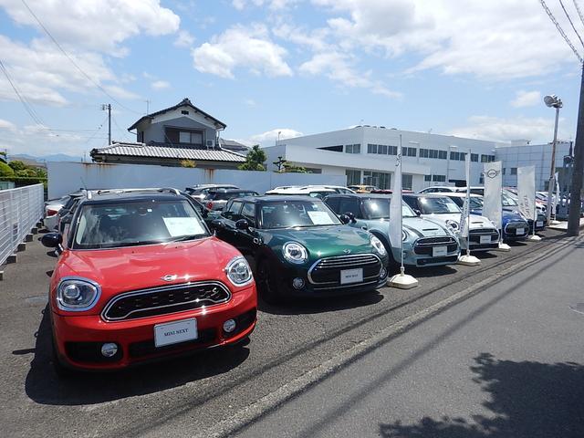 ただいまEhime BMWで中古車合同展示中です!