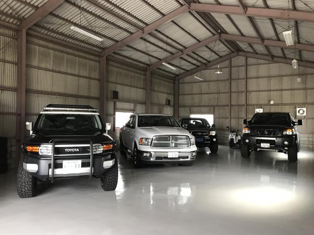 社屋南側に全天候型屋内展示場をOPEN!車両品質をキープしつつ、ゆったりと車両をご覧いただけます。