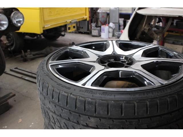 タイヤ、その他パーツの持込取付を臨機応変に対応しております。プロの整備士が確かな技術で対応致します。
