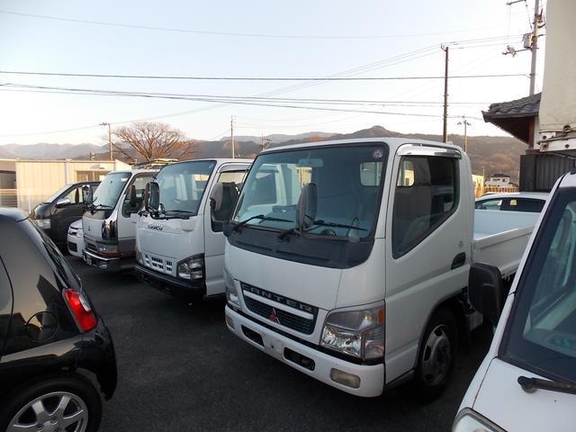 トラックもお客さまのご要望に合わせてご用意致します。別の展示場に他のトラックも置いておりますので、