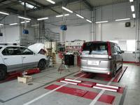 工場も完備しております。お客様のお車を安心サポート!